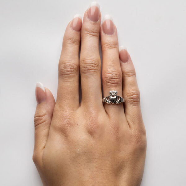 Ladies Silver Claddagh Ring Comfort Fit - SL1