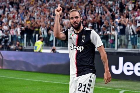 Transfer rumours about Juventus player, Higuain