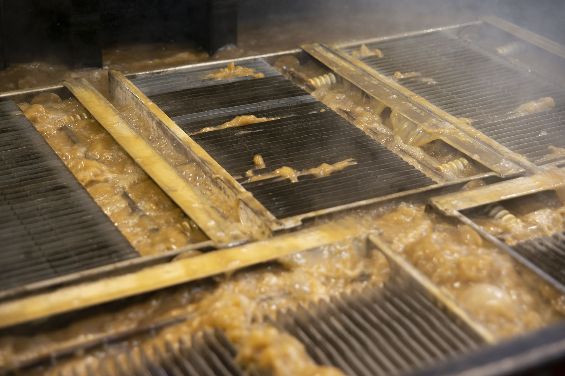 Cleaning Electrostatic Precipitators an Wastewater