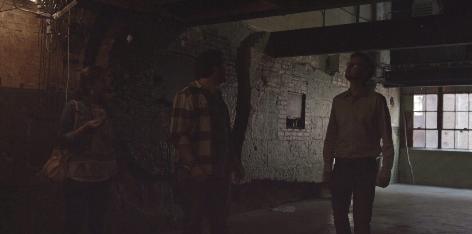 Photo 3 The_Confined_shortfilm_Thomas_J._OBrien_cast_as_Landry_production_still_5