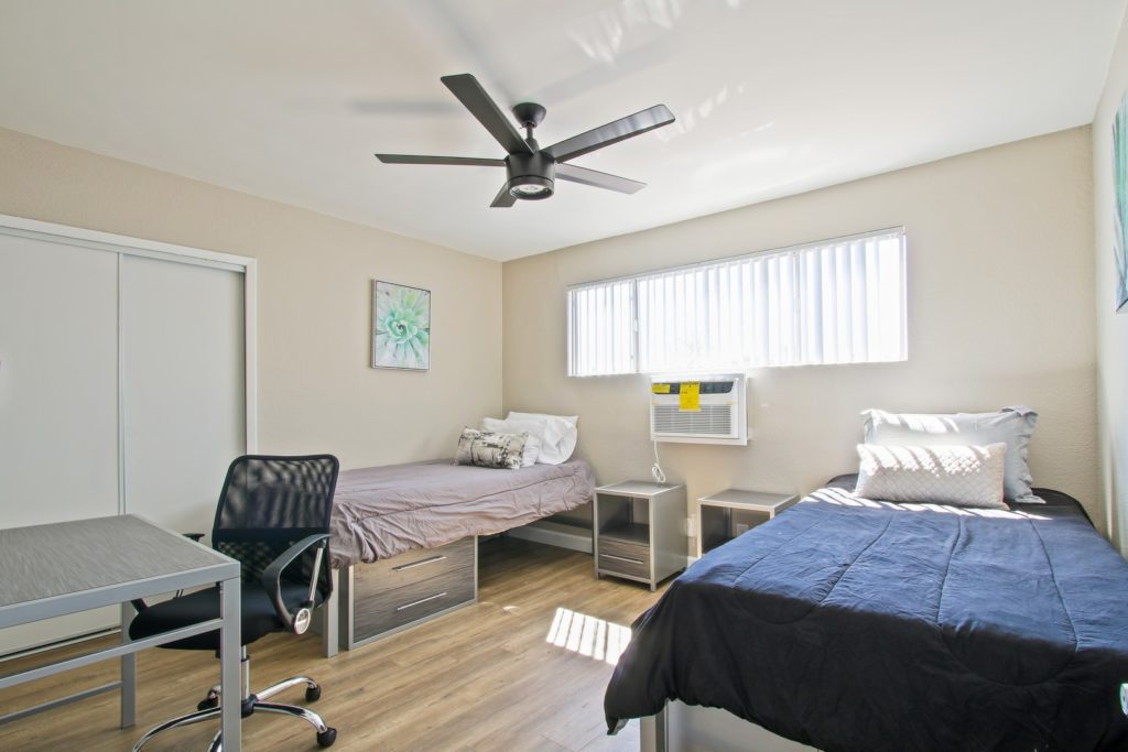 usc off campus student housing