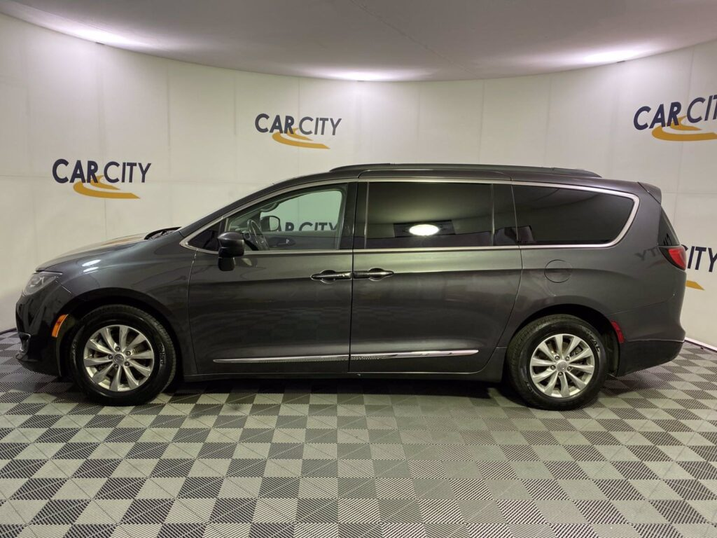 Gray 2017 Chrysler Pacifica Touring L at Car City