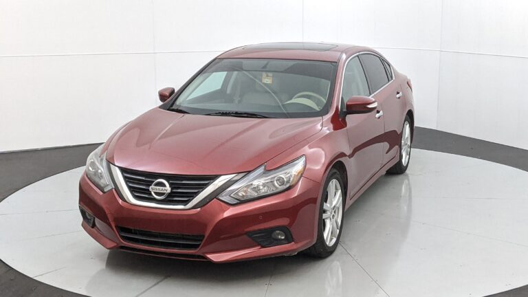 Used Car Showdown: Nissan Altima vs Hyundai Sonata