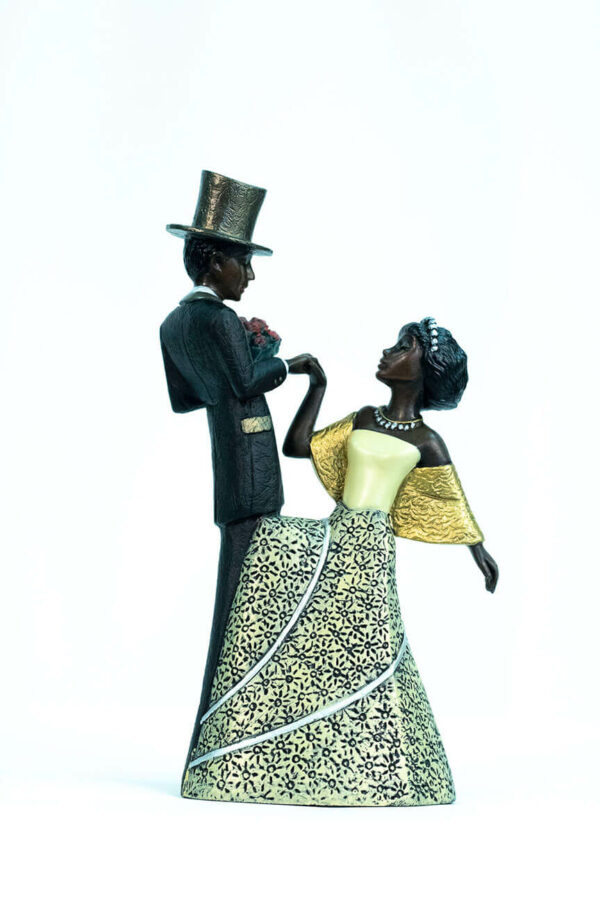 wedding couple figurine, groom with flowers, bride curtsy, front