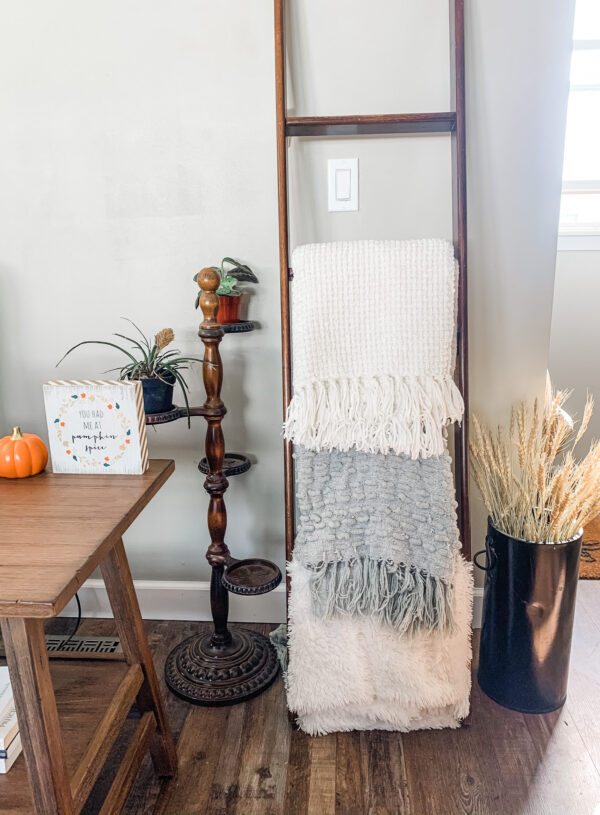 Simple Fall Decor For Thanksgiving