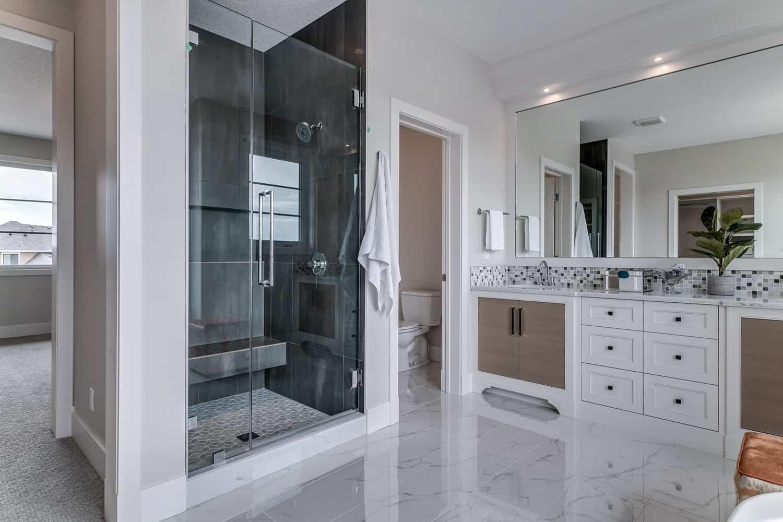 Watermark at Bearspaw ensuite luxury home