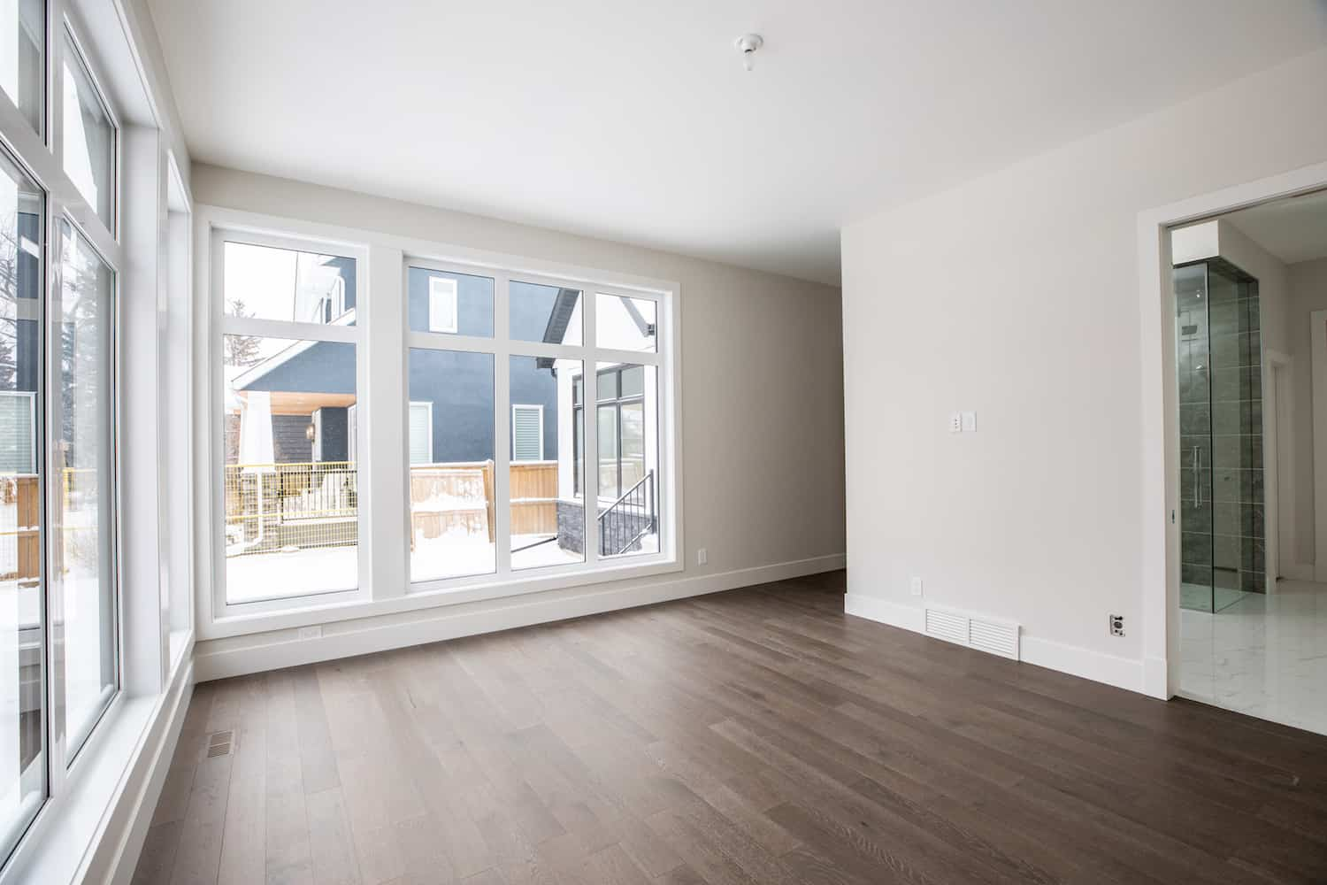 North Glenmore Park Modern Bungalow Space