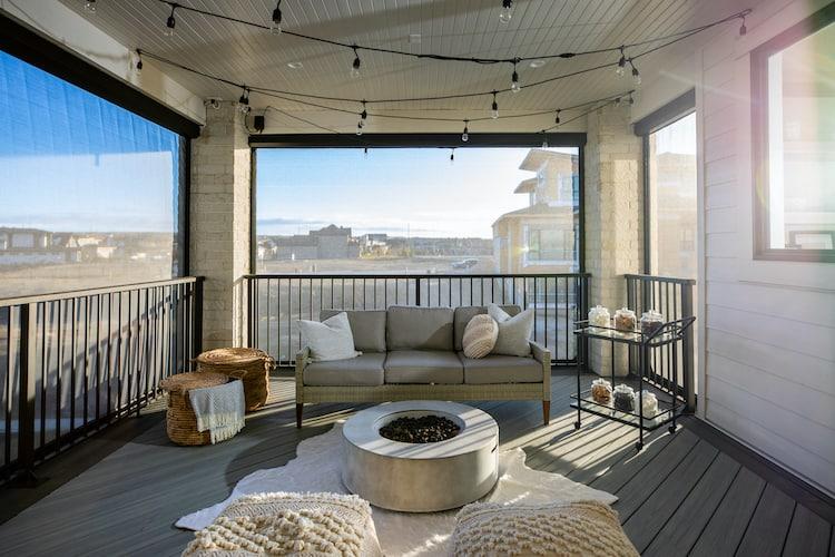 Watermark at Bearspaw - Modern Farmhouse upper deck