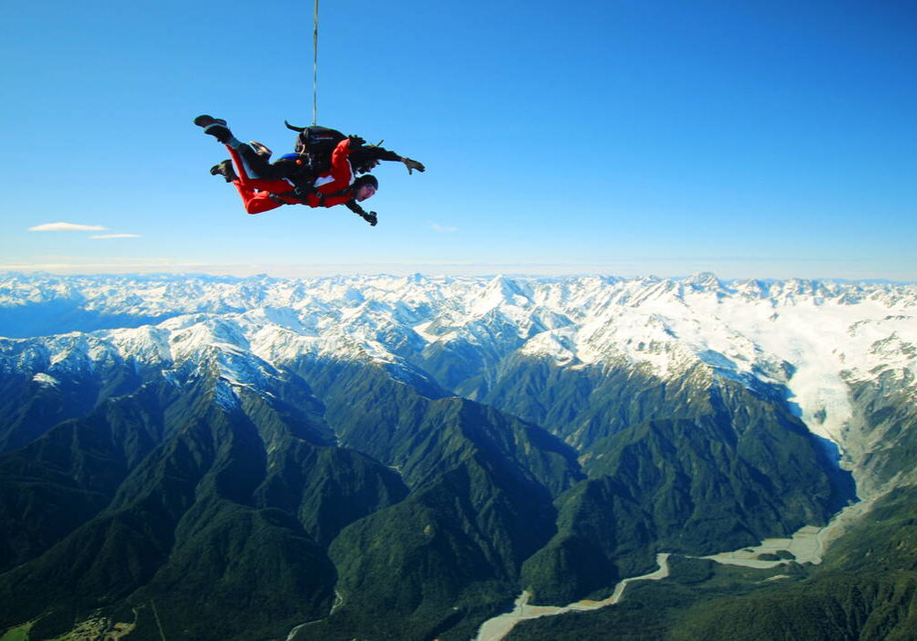 Skydive-Franz-Josef-Glacier-New-Zealand_optimized-1