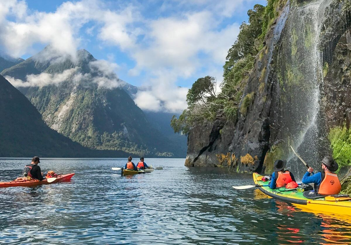 luxury-kayak-tour-new-zealand-feature