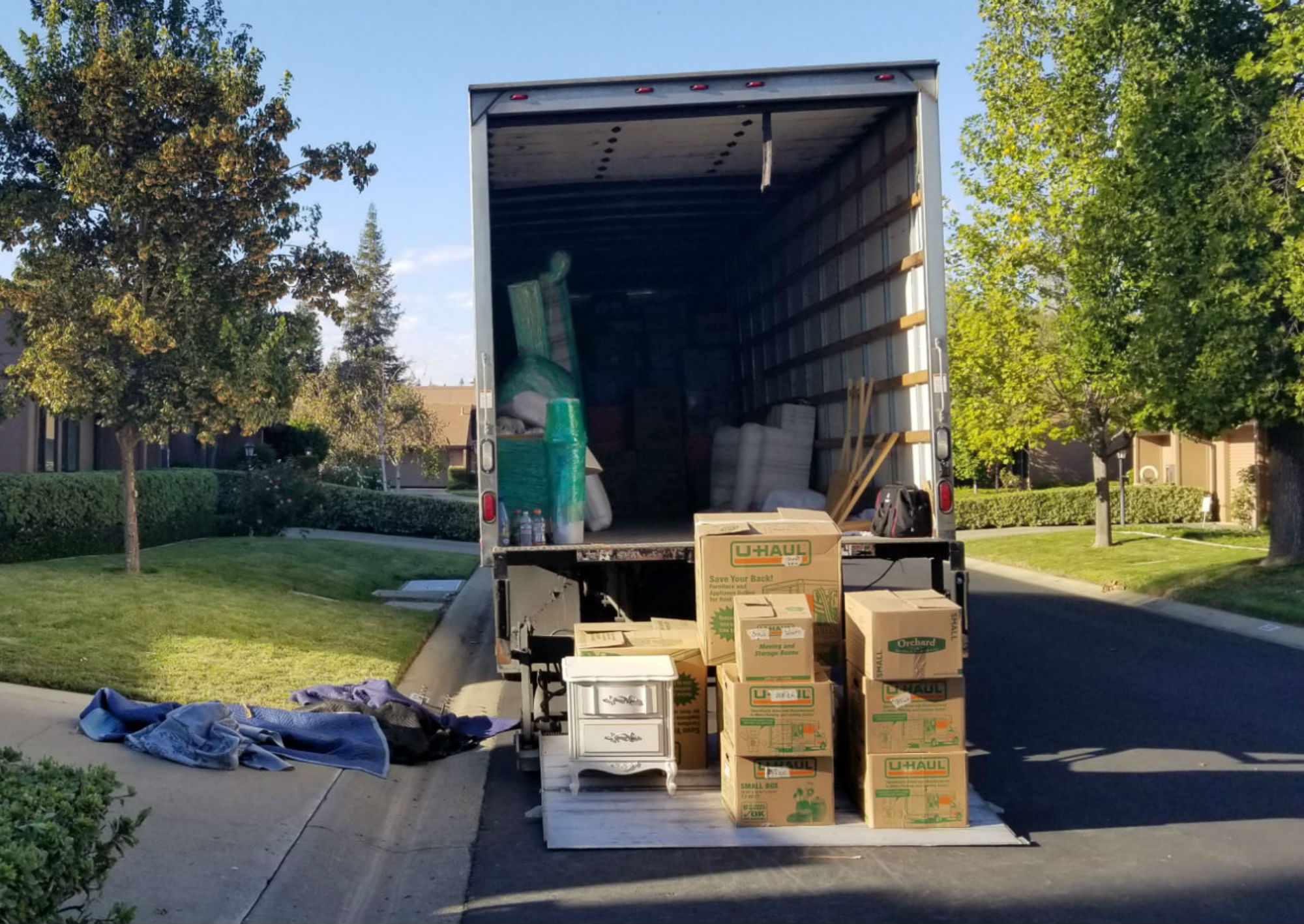 ever wonder what a Los Angeles moving company does? They do a lot!
