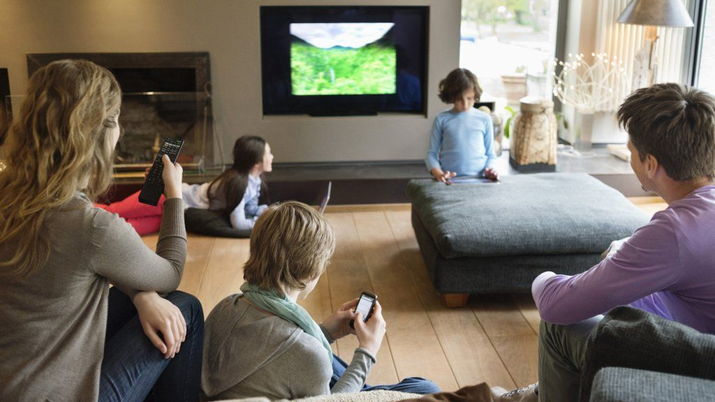 Five TV Shows to Watch with Your Kids During your COVID Containment