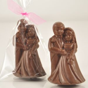 Chocolate Bride & Groom Table Favour