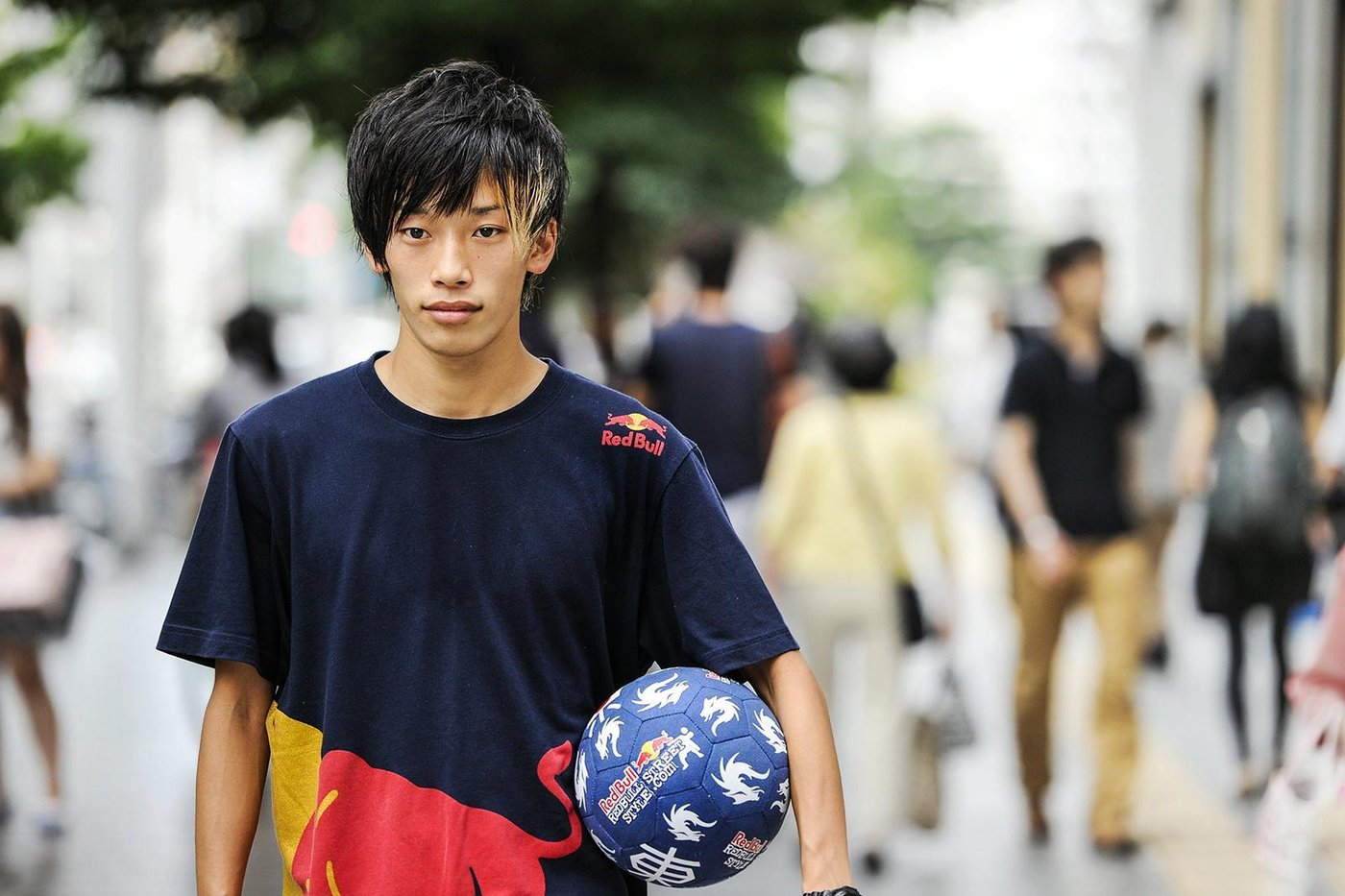 Kotaro Tokuda walks through Nagoya city prior to the Red Bull Street Style Japan Final 2014 at the Sirakawa park in Nagoya, Japan on September 5th, 2014 // Naoyuki Shibata/Red Bull Content Pool // P-20141002-00140 // Usage for editorial use only // Please go to www.redbullcontentpool.com for further information. //