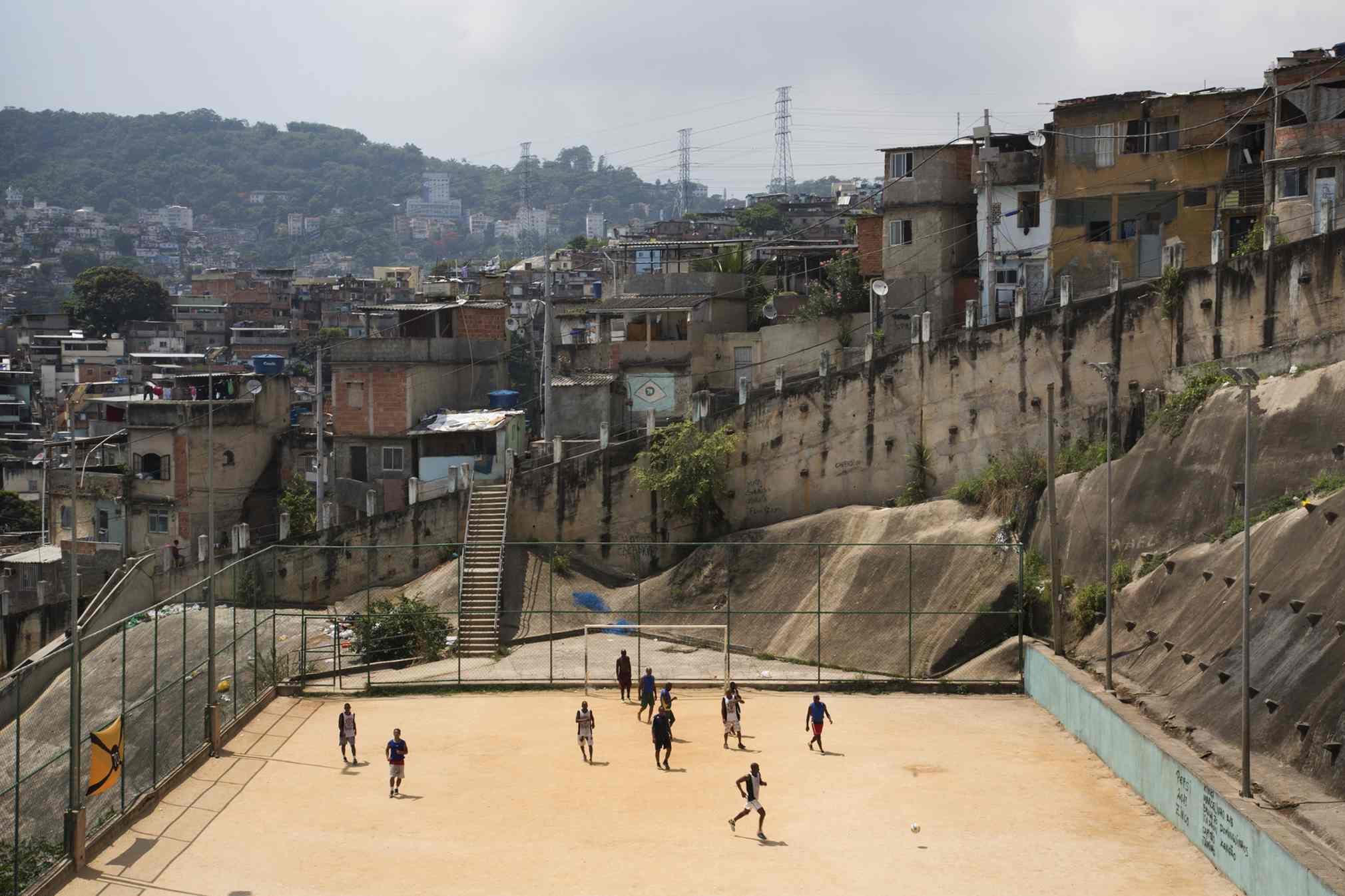 Rio-street-fooball