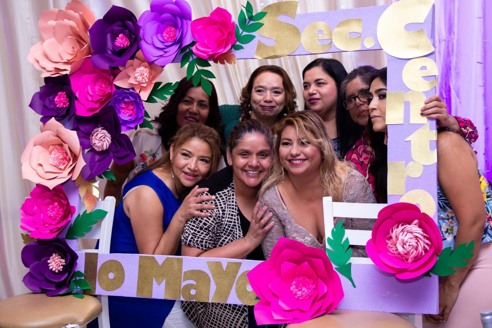 Festeja la UAT a las madres trabajadoras