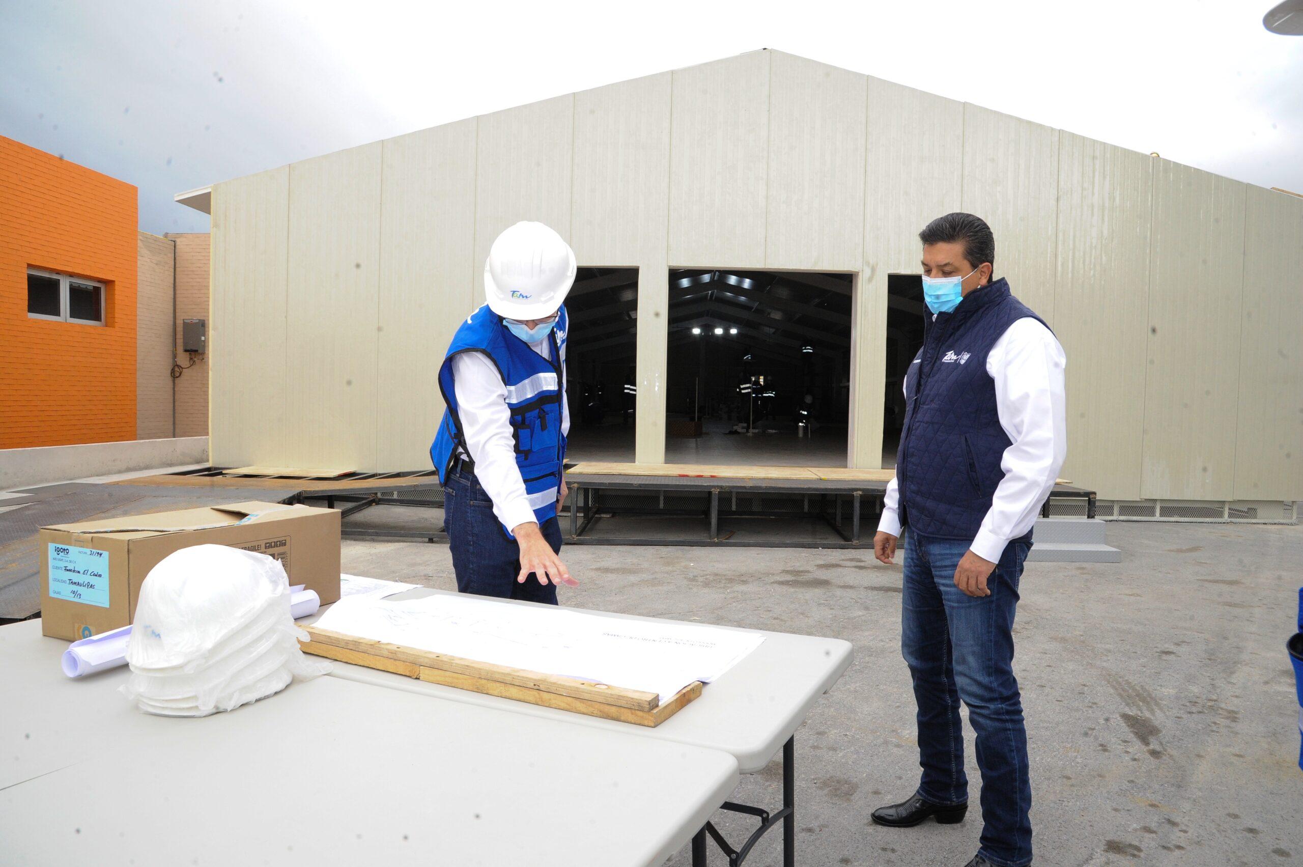 Supervisa Gobernador construcción de hospitales móviles