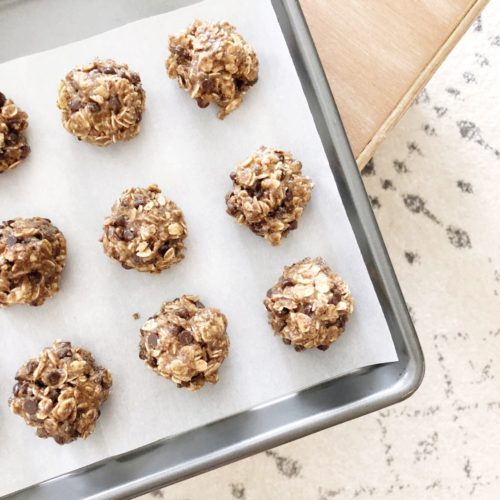 No Bake Oatmeal Chocolate Chip Energy Bites