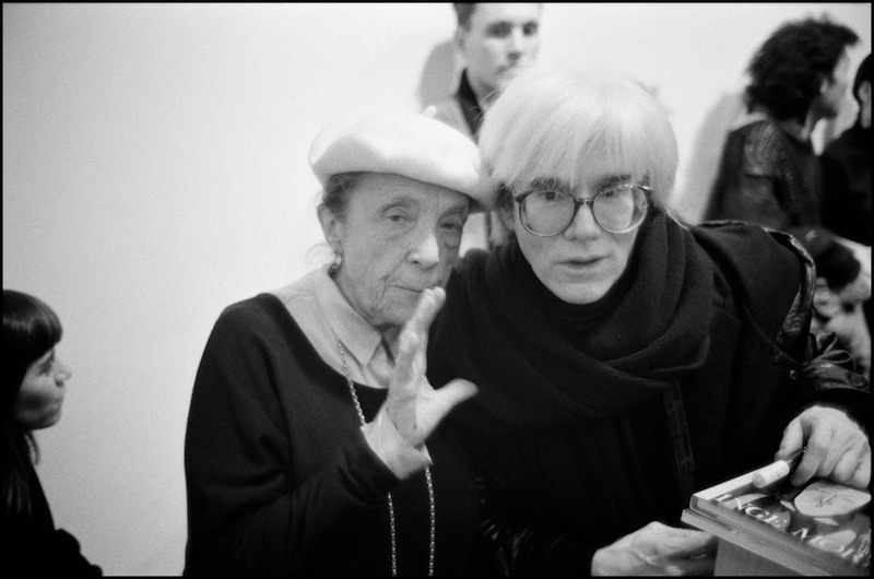 USA. New York City. 1987. Sculptor Louise BOURGEOIS and Andy WARHOL. © The Inge Morath/Magnum Photos