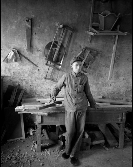 Workshop, May 7th Cadre School, Nanniwan, China, 1978, © Inge Morath Foundation/Magnum Photos.