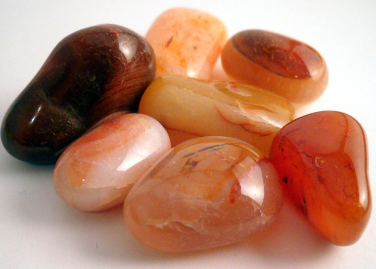 Carnelian – This lovely cinnamon-coloured crystal will help you enjoy sensual pleasures. It is also said to enhance digestion and assimilation of nutrients. It has also been linked to fertility and feminine health. Carnelian promotes a sense of community, as well as truly supportive and nurturing relationships with your loved ones.