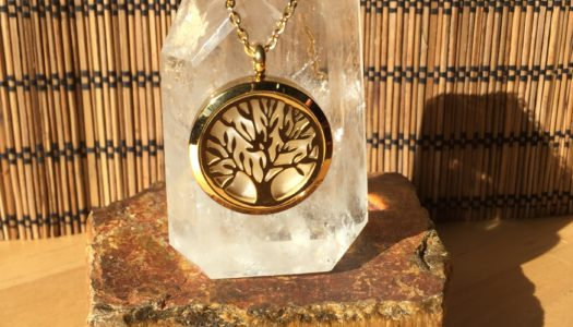 Aromatherapy Tree Of Life Diffuser Pendant (Silver / Gold)