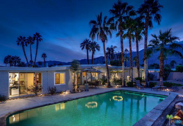 Best Neighborhoods in Palm Springs