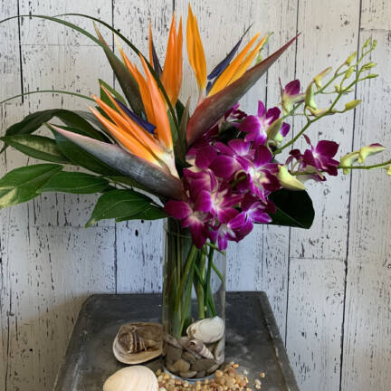 A picture of a flower arrangement