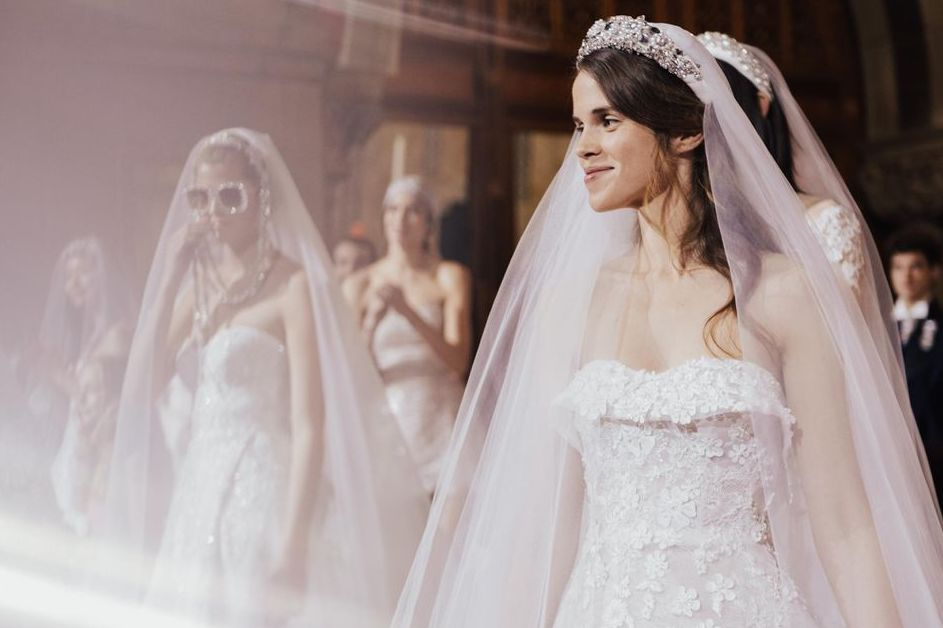 Meet the Wedding Hair Accessory Trends That'll Be Everywhere in 2020