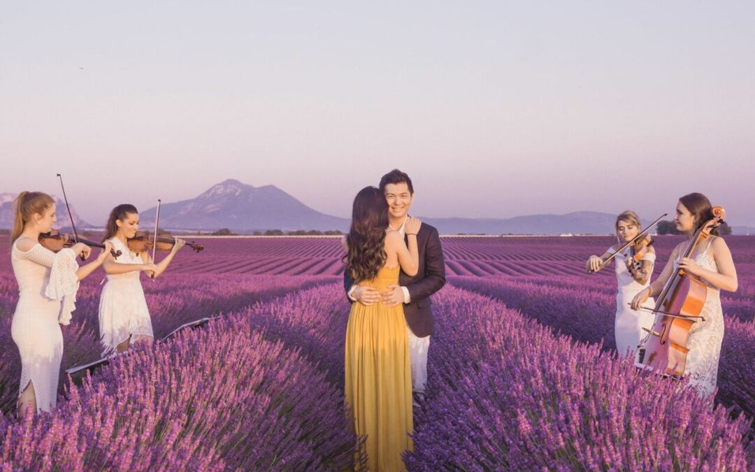 Fun, Unique and Creative Engagement Photo Ideas to Steal