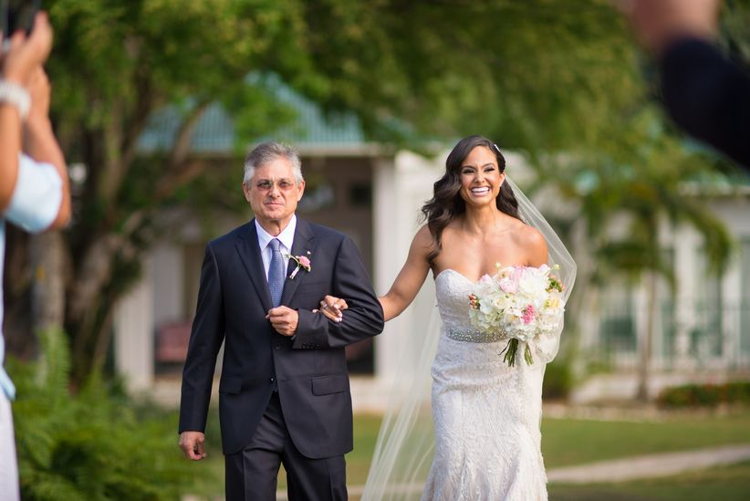 Bride Entrance Songs For an Epic Walk Down the Aisle