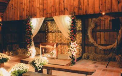 10 Wedding Altar Decorations Ideas to Create a Beautiful Space at the End of the Aisle