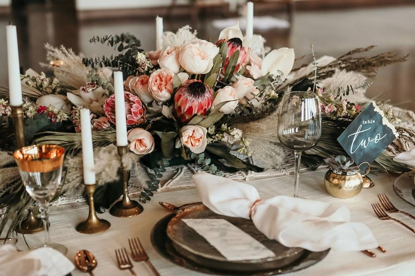 5 Ways to Make Your Wedding Color Palette Work for Any Season