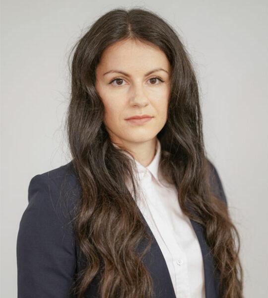 Марија Петрески, Правен асистент