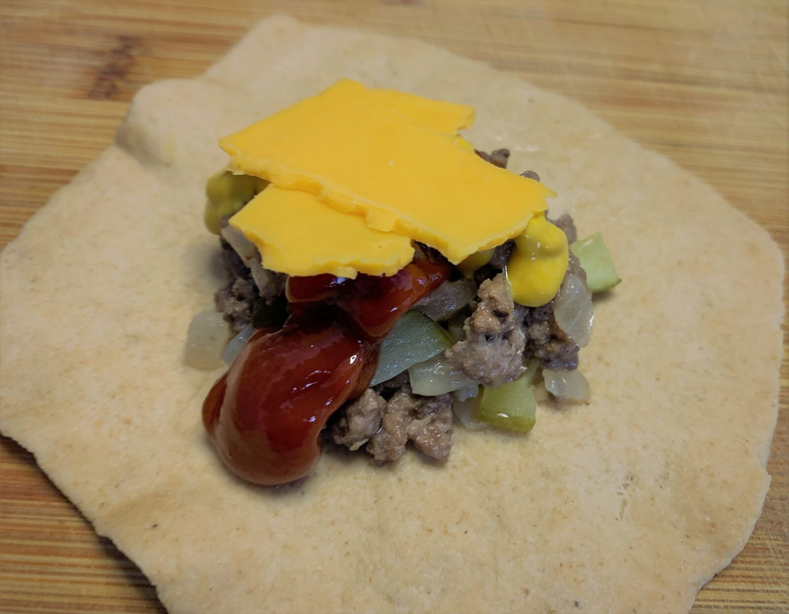 Cheeseburger Pod filling with Ketchup, Mustard and Cheese