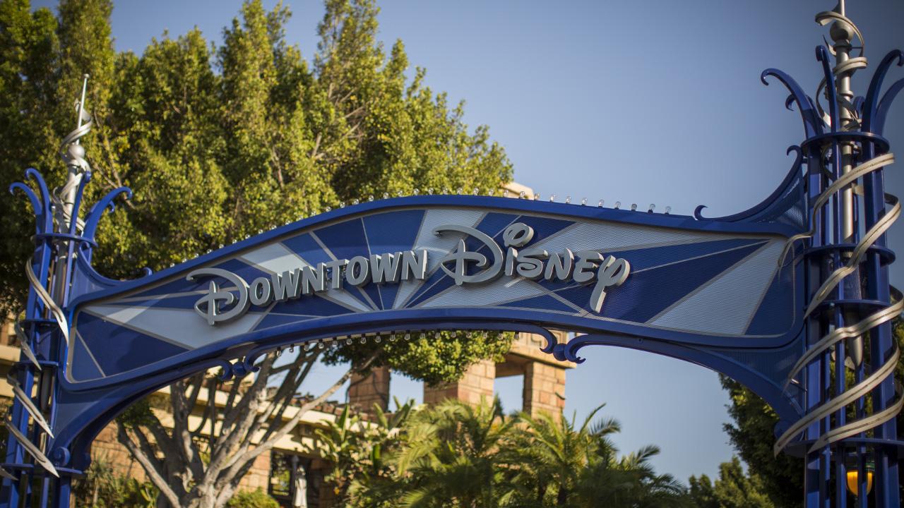 Downtown Disney - Disneyland Resort - Guinness Braised Short Rib Pot Pie