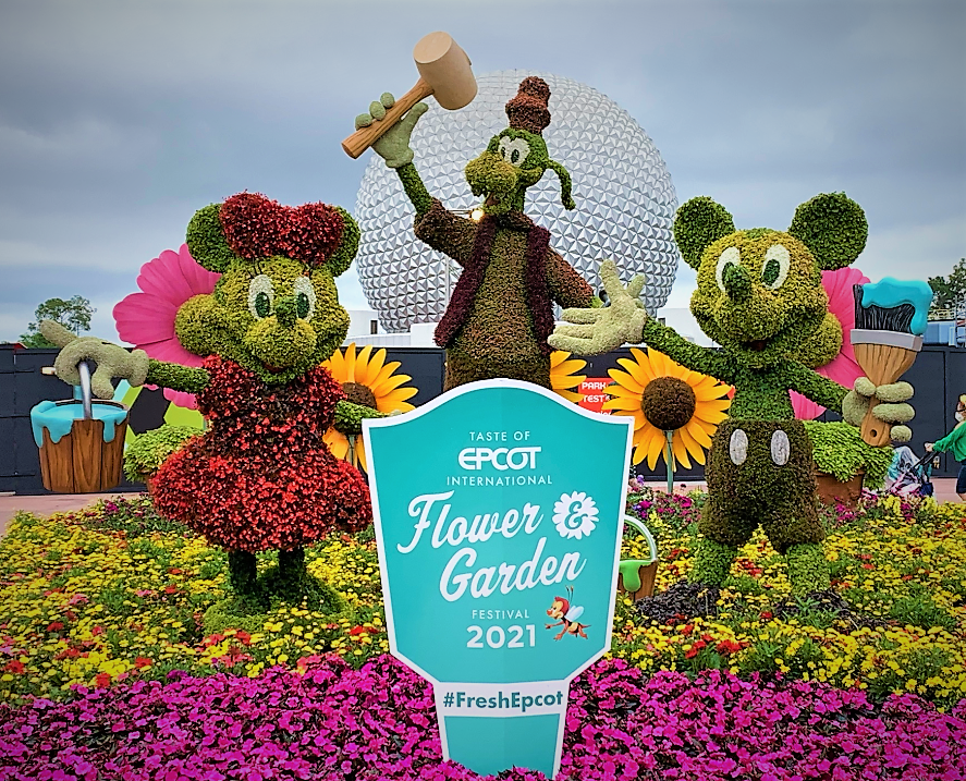Mickey, Minnie & Goofy Topiary from the Epcot International Flower & Garden Festival - Warm Berry Buckle Recipe