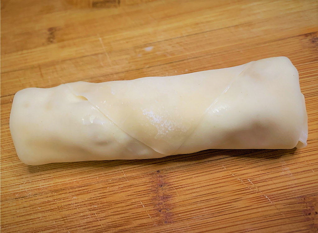 Our fully rolled and sealed Pongu Lumpia