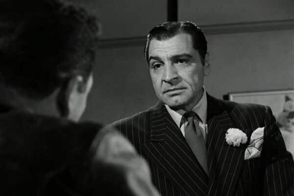 Anthony Caruso as a low-rent Frank Nitti.
