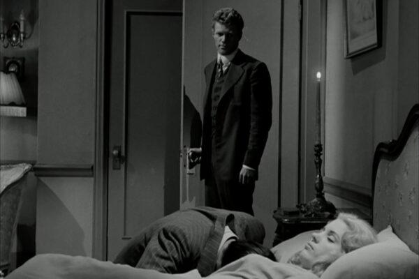 bedside-mourning