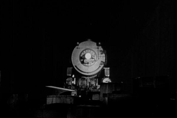 train-in-the-tunnel