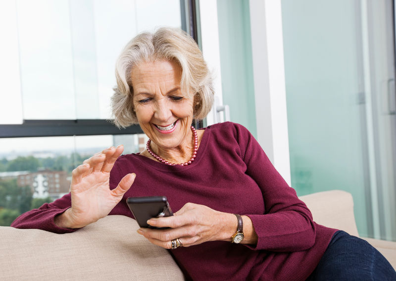 How Technology Helps Those in an Assisted Living Home