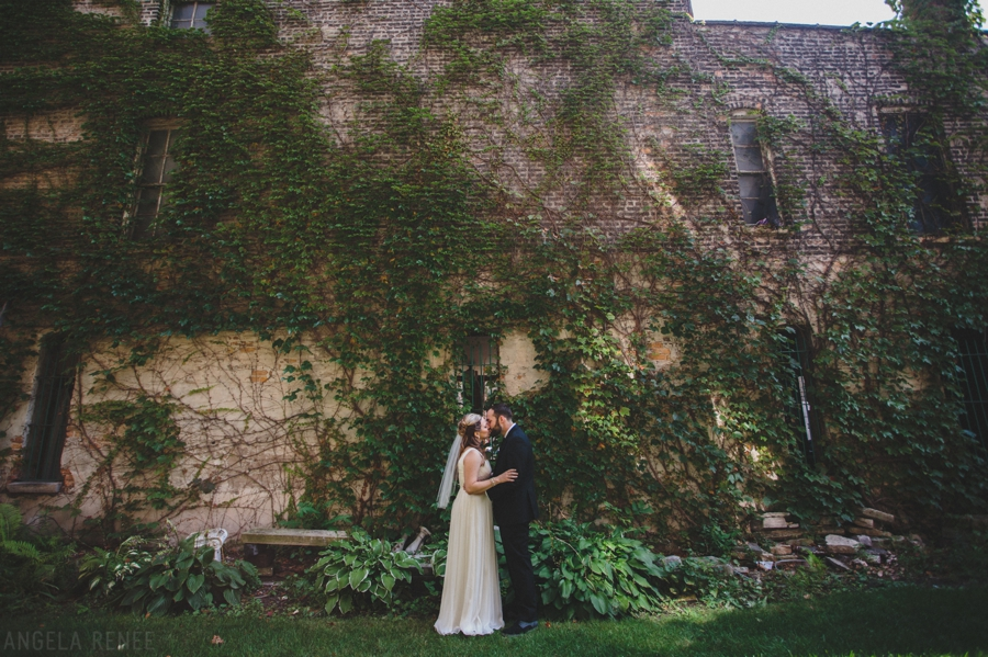 Honky Tonk BBQ Intimate Wedding 007