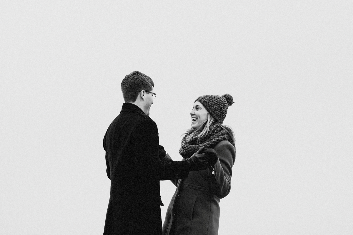 winter-engagement-session_0002