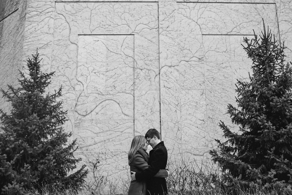winter-engagement-session_0009