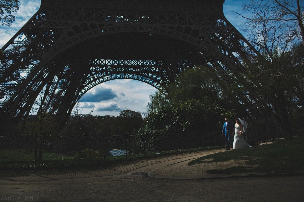 paris-bride-groom-walking