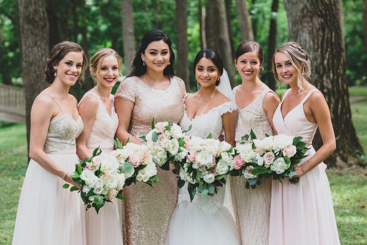 bridesmaids-neutral-dresses