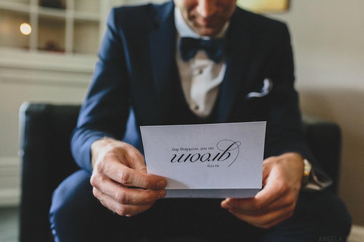 groom-opens-gift