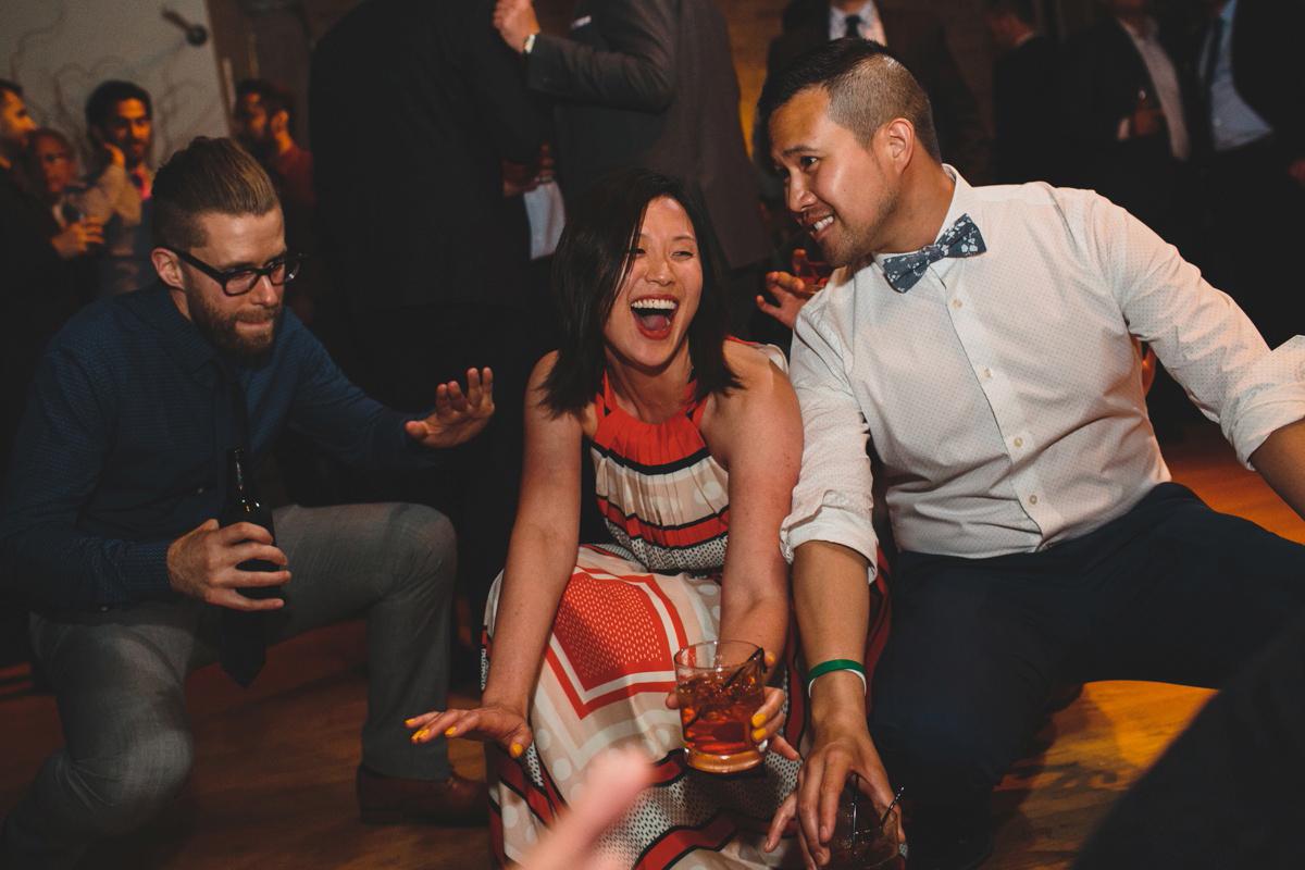 reception-dancing-shot