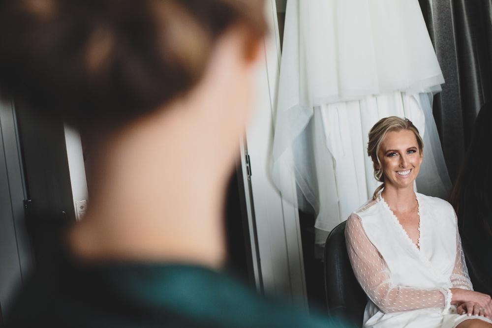 02-bride-robe-getting-ready